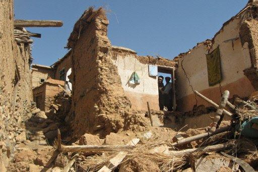 afghan-quake-17apr09