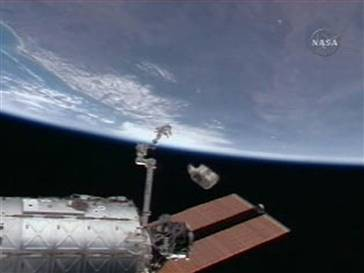 space-station-trash