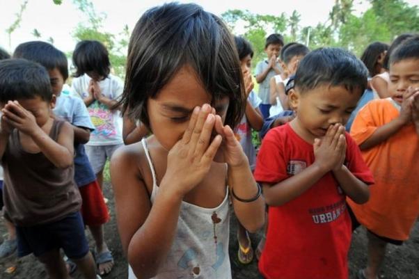Filipino Praying it is that HEART that will