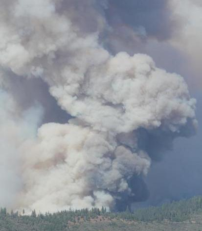 fire activity on south flank