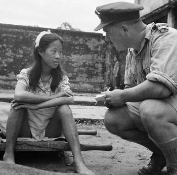 Chinese_girl_from_one_of_the_Japanese_Army's_'comfort_battalions'