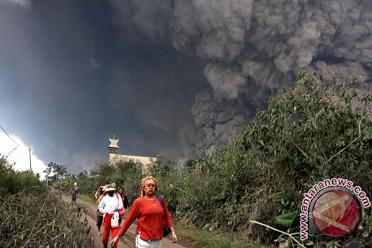 Sinabung-01022014 -antara news