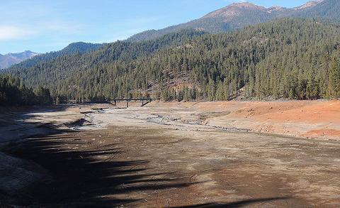 Trinity-Lake-drought-04Feb2014