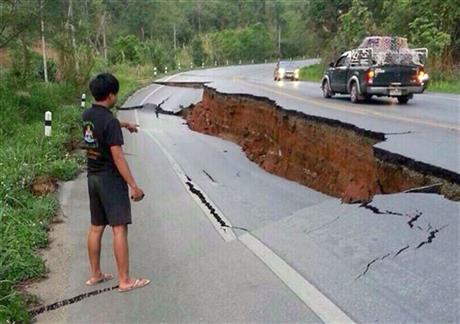 Thai quake - AP
